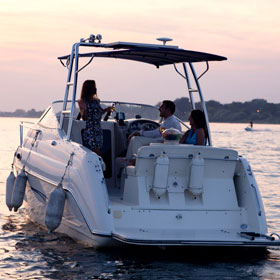 DO YOU NEED A LICENSE TO RENT A BOAT? HOW TO FIND OUT